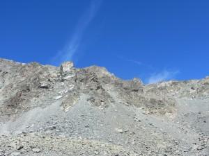 Faticosa pietraia da risalire in direzione del Passo Fiorio ratti
